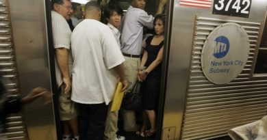 Heat Wave Boils Queens Subway Stations
